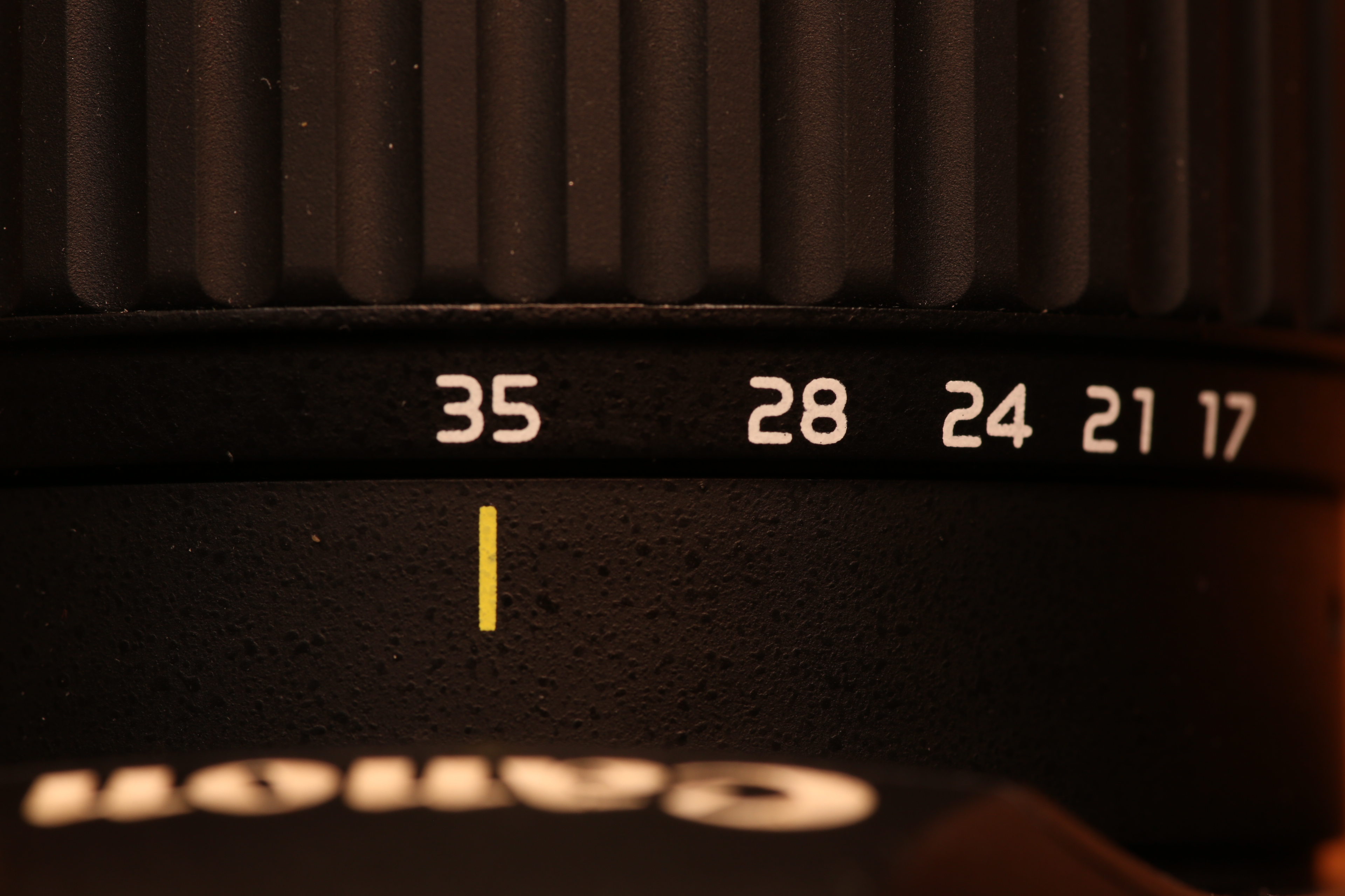 Объектив Tokina Canon AF 10-17 mm F/3.5-4.5 AT-X DX Fisheye
