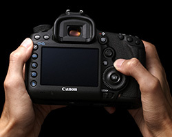 <span role='device-inline' data-device-id=3069 data-device-permalink=canon-eos-5d>Canon EOS 5D</span> Mark III: неделя с экспертом