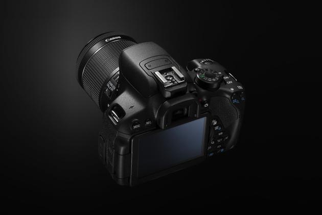 Canon EOS 700D: неделя с экспертом