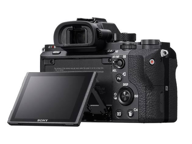 Sony a7R II – с первой полнокадровой BSI-матрицей и видеосъемкой 4К