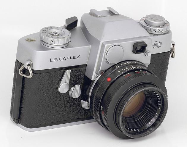 У компании Leica туз в рукаве – полноформатная беззеркальная камера