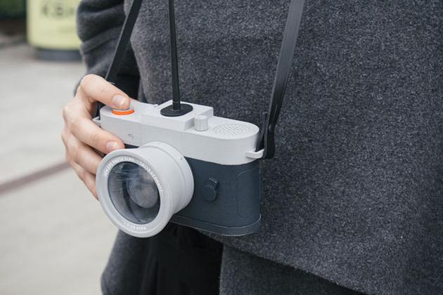 Камера Restricta не позволяет делать банальные фотографии