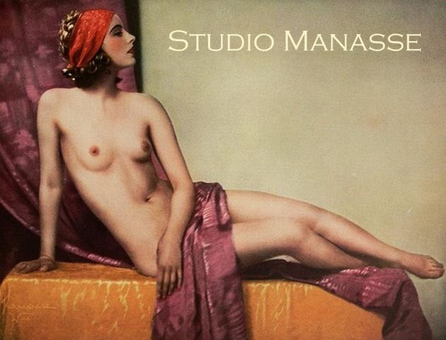 Студия Манассе: мода позировать обнаженной