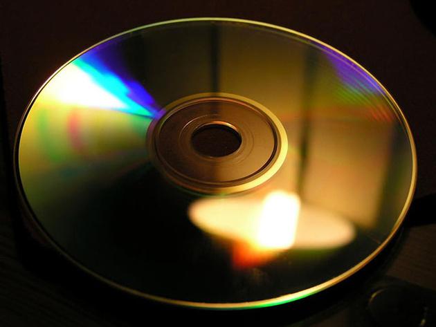 Обычный CD-диск можно использовать как анализатор спектра источников света
