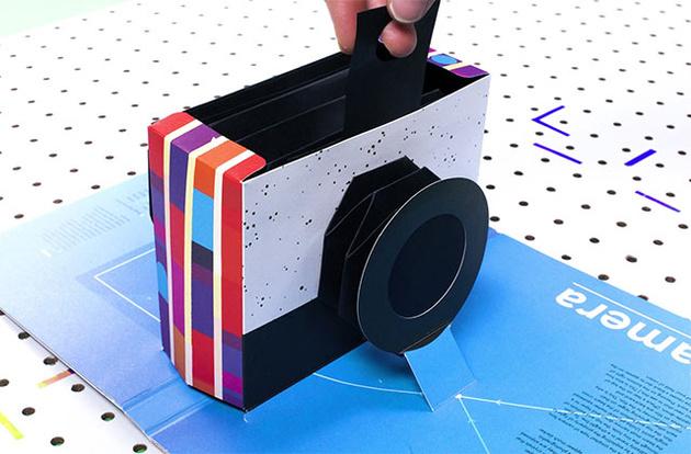 Книжка-раскладушка работает как настоящая фотокамера