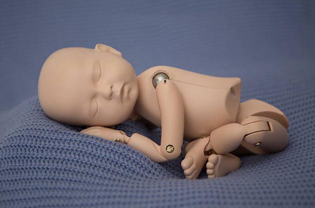 StandInBaby – манекен для отработки навыков съемки новорожденных