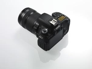 Лучшая зеркалка Canon к новому году: EOS 100D, EOS 700D, EOS 750D или EOS 760D?