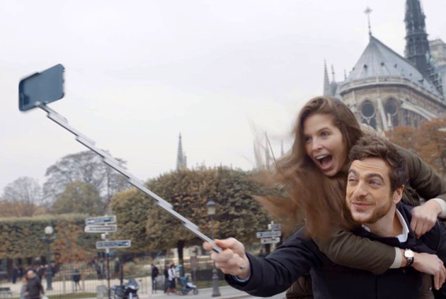 StikBox – первый в мире чехол для смартфона со встроенной селфи-палкой