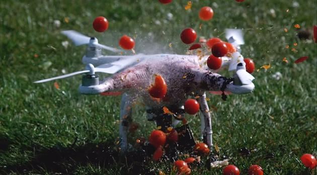 Дрон DJI рубит еду, как блендер – в ролике, снятом при 1500 кадрах в секунду