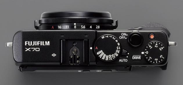 Fujifilm X70 – впервые сенсорный дисплей в линейке Х