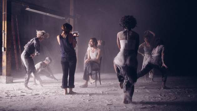Я решила снимаем на iPhone: Актриса Оливия Уайлд сняла музыкальный клип для Edward Sharpe & The Magnetic Zeroes