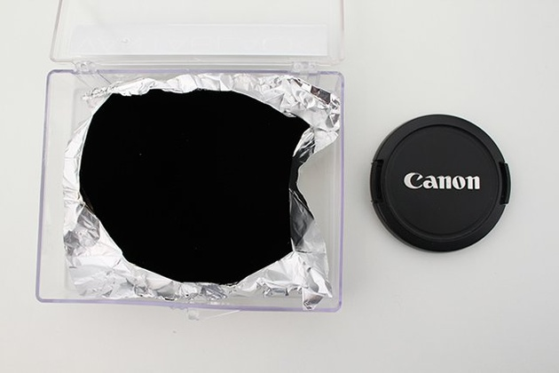 Самый темный в мире материал стал еще темнее