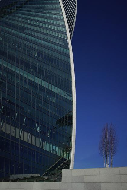 Обзор объектива Sony FE 28mm f/2 (SEL28F20)