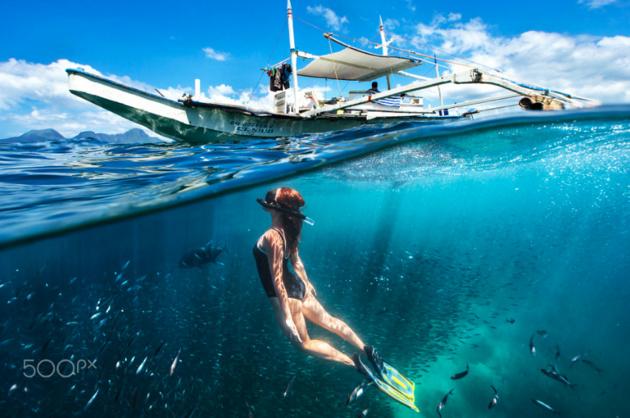 15 лучших подводных фото с участием человека