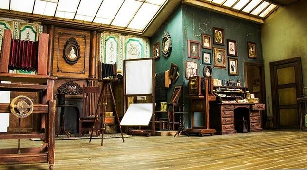 Художник создал фотостудию в митиатюре