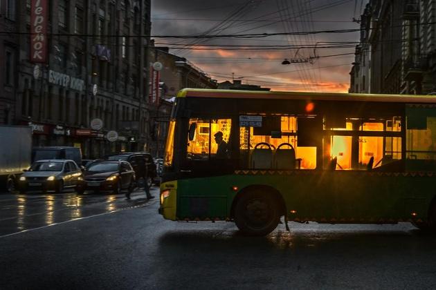 Александр Петросян. История одного кадра: cолнечный автобус