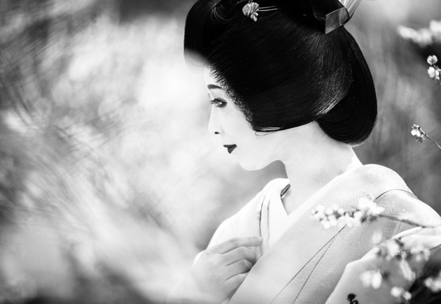 Черно-белая Япония