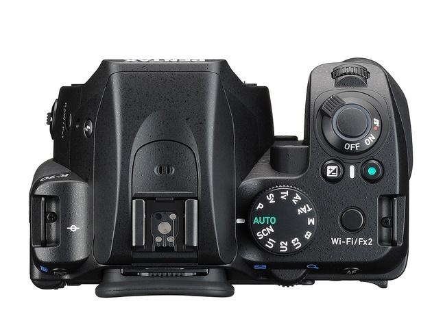 Зеркальный Pentax K-70 – всепогодное исполнение, гибридный АФ, технология повышения разрешения Pixel Shift