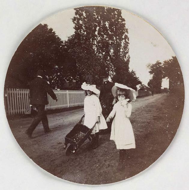 15 фотографий, сделанных первым фотоаппаратом Kodak