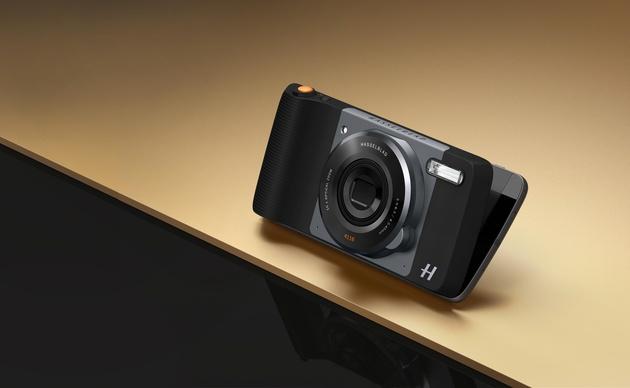 Hasselblad True Zoom - дополнительный фотомодуль для Moto Z от легендарного фотобренда