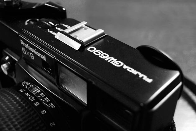 По слухам, через две недели Fujifilm анонсирует среднеформатную систему