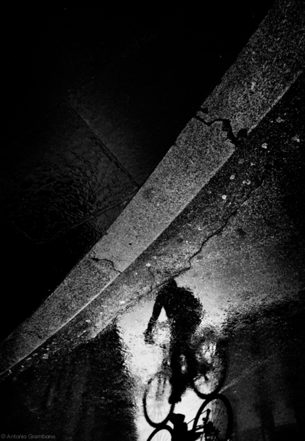Отражения на снимках Антонио Грамбоне