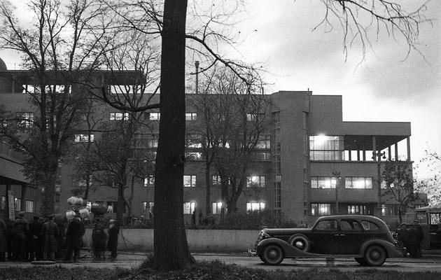Завод ЗИЛ: 100 лет в фотографиях