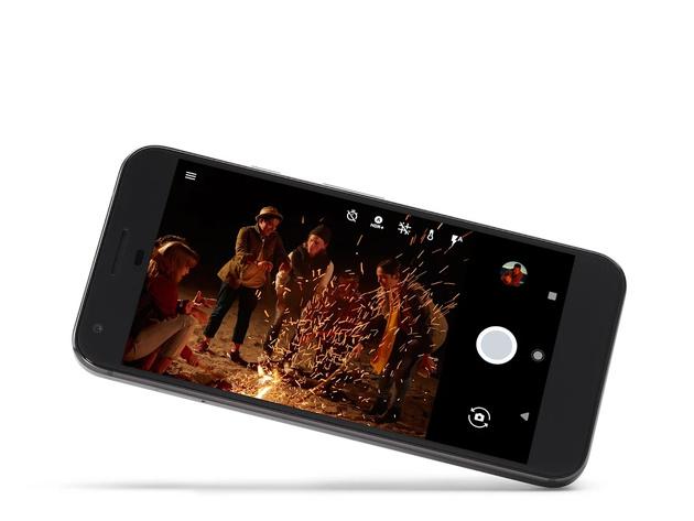 """Google Pixel и Pixel XL - новые смартфоны с новейшей версией """"голого"""" Android"""