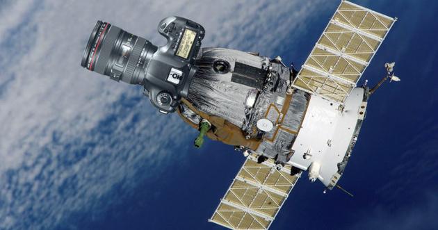 Canon запустит на орбиту спутник с камерой на базе зеркальной модели EOS 5D
