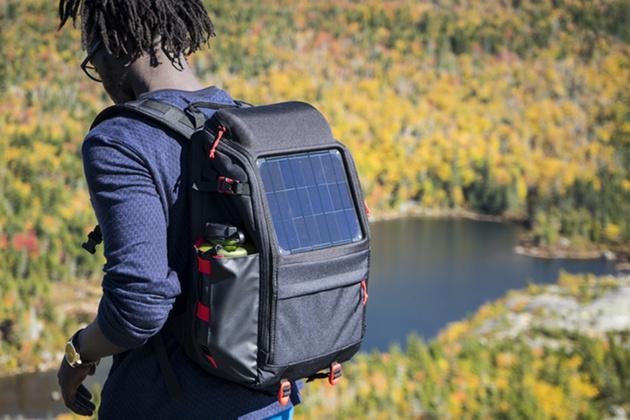 Рюкзаки с солнечными батареями Voltaic Array и Offgrid