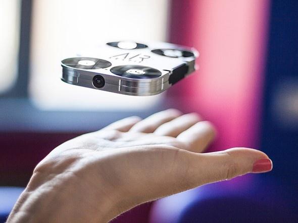 Карманный дрон AirSelfie собирает финансирование на сайте Kickstarter