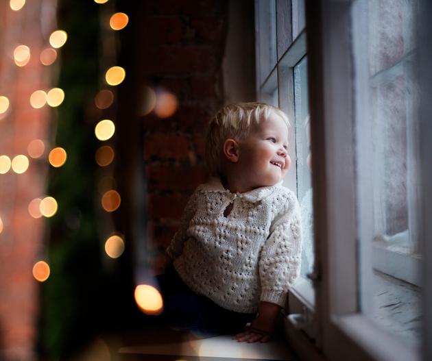 Как провести детскую новогоднюю фотосессию в студии с естественным освещением