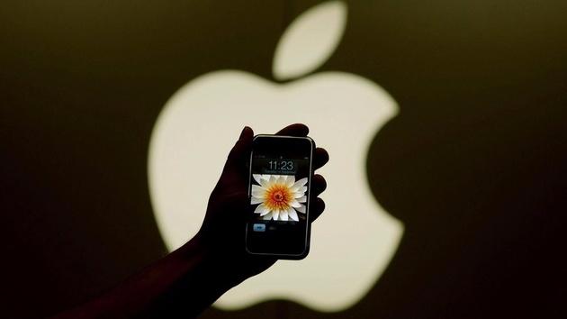 С днём рождения, iPhone: 10 лет назад Стив Джобс анонсировал смартфон от Apple