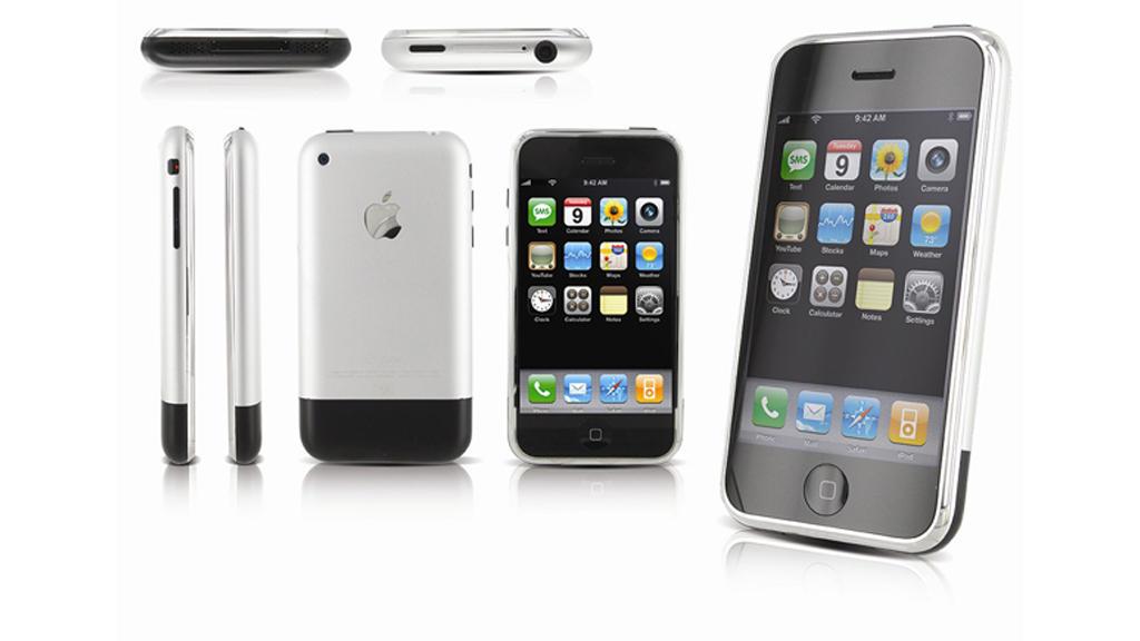 С днём рождения iPhone 10 лет назад Стив Джобс показал миру первый смартфон от Apple