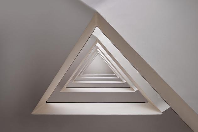 «Машина времени»: винтовые лестницы Балинта Аловитса