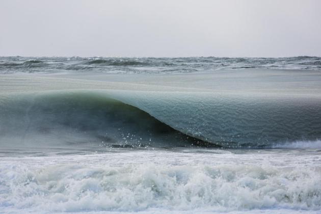 Замороженные волны Джонатана Нимефро