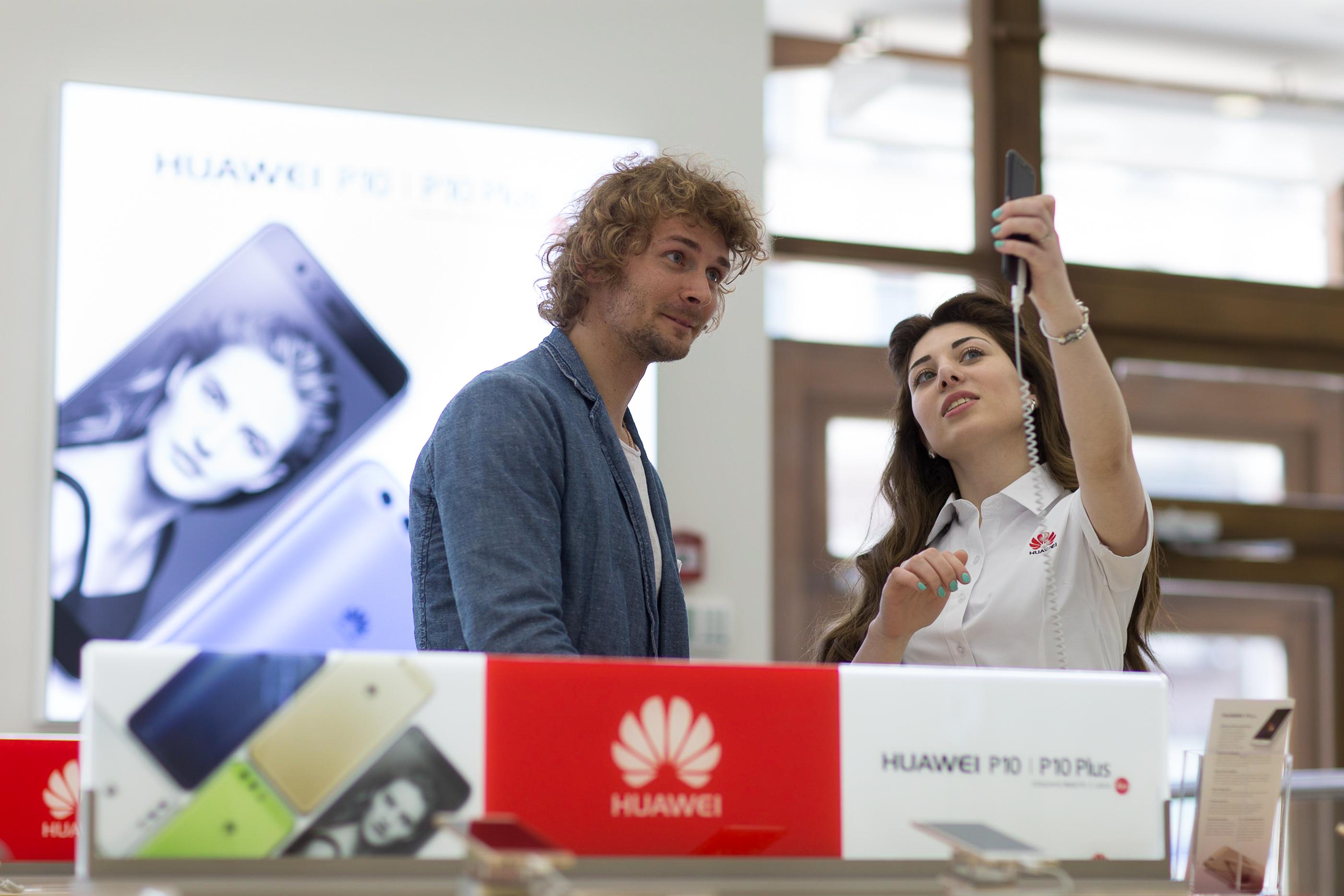 Huawei открыла 1-ый сервисный центр в Российской Федерации