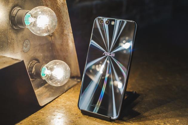 Представлены мобильные телефоны серии ASUS ZenFone 4 для Европы