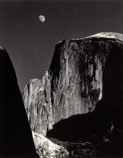 Ансель Адамс. Moon and half dome