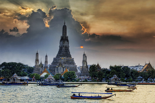 Wat Arun at Sunset © Stuck in Customs