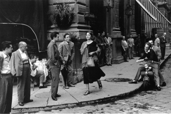 Copyright 1952, 1980 Ruth Orkin. Американская девушка в Италии, 1951.