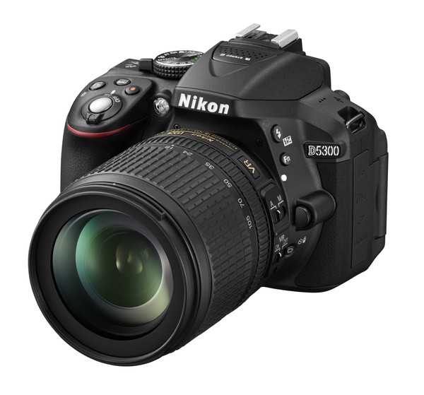 <span role='device-inline' data-device-id=15835 data-device-review=15437-nikon-d5300-nedelya-s-ekspertom data-device-primary=true>Nikon D5300</span> с объективом AF-S DX VR Zoom-Nikkor 18-105mm f/3.5-5.6G ED