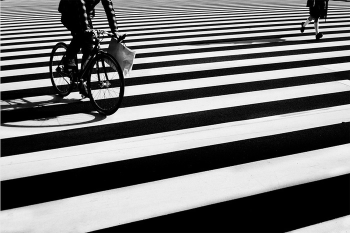bicycle and girl © Kouji Tomihisa