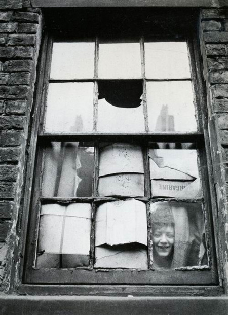 Thurnston Hopkins,  In the slums, Liverpool, 1955