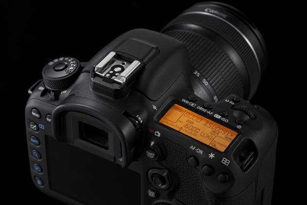 Canon EOS 7D Mark II - 1.0 МБ