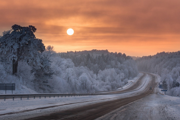 Frost road © Mindaugas Ma