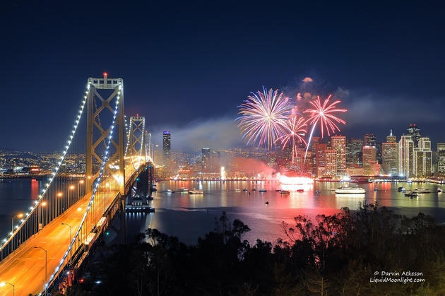 San Francisco New Years Fireworks - Happy New Year 2012 © Darvin Atkeson. Сан-Франциско, Калифорния, США.