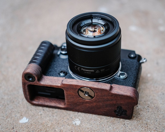 J.B. Camera Designs Pro Wood Grip - модификация из перуанского ореха