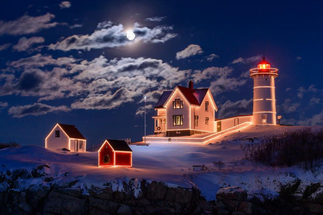Moon over Nubble © Michael Blanchette