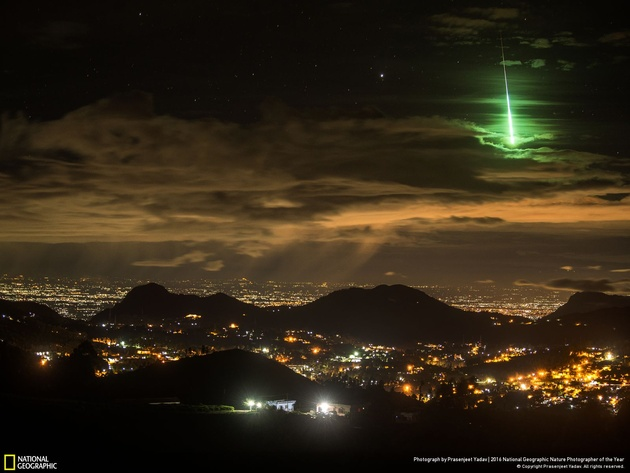 Serendipitous Green Meteor Photo and caption by Prasenjeet Yadav